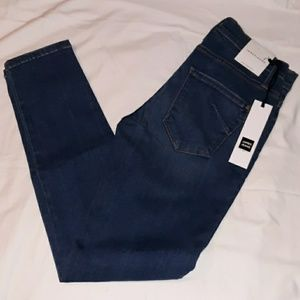 NWT NEW James Jeans Twiggy Ankle Captive Clean 32